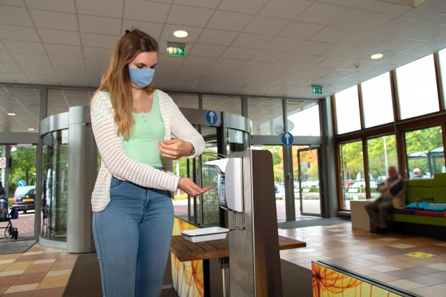 Brabantse ziekenhuizen, huisartsenposten, GGD en GGZ volgen advies: gebruik mondmasker