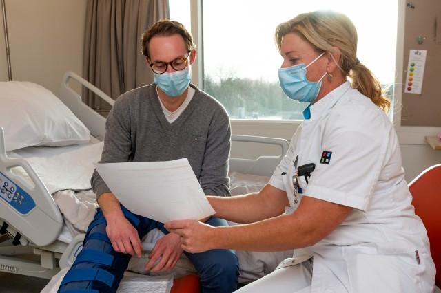 Patiënt met botbreuk beter voorbereid op lange revalidatie