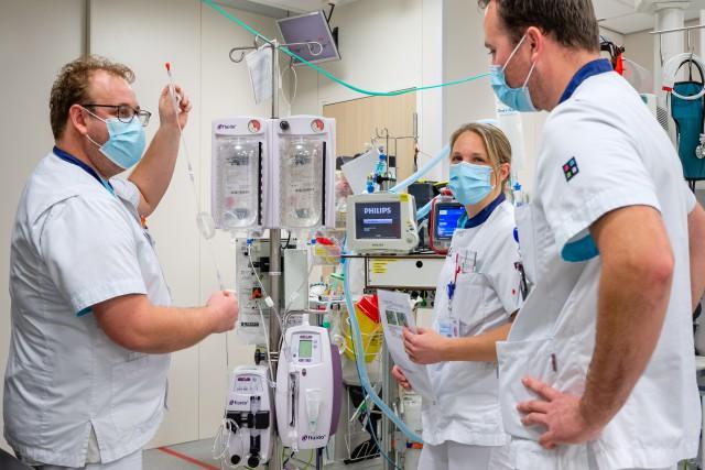 Brabantse ziekenhuizen leiden samen meer zorgverleners op